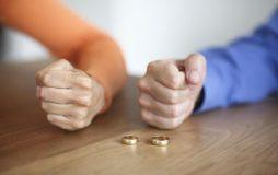 طلاق با داشتن حق طلاق